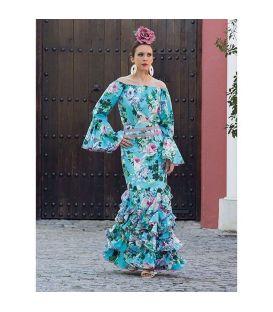 Conjunto Cristina Celeste con flores (falda + blusa)