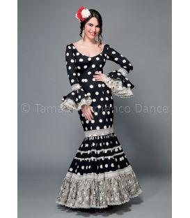 trajes de flamenca 2016 mujer - Aires de Feria - Paseo negro lunares blancos
