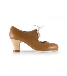 zapatos de flamenco profesionales de mujer - Begoña Cervera - Cordonera marron claro piel tacón carrete visto
