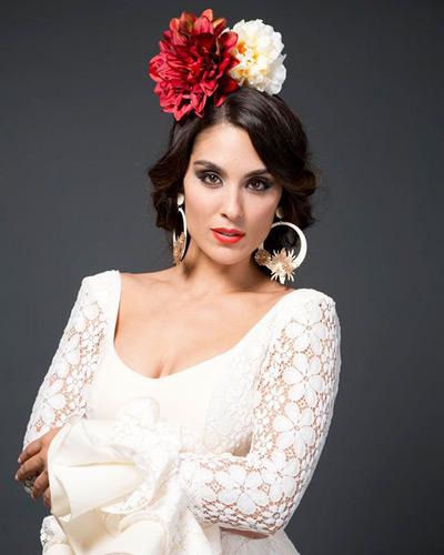 Cómo Escoger Y Poner La Flor De Flamenca El Blog De Baile Y Trajes