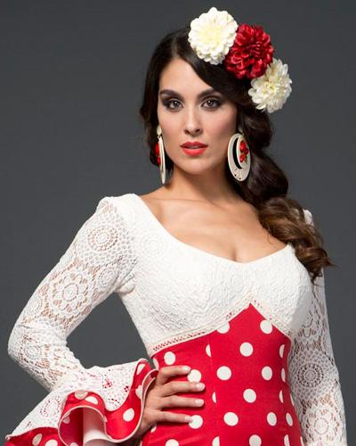 Como Escoger Y Poner La Flor De Flamenca El Blog De Baile Y Trajes
